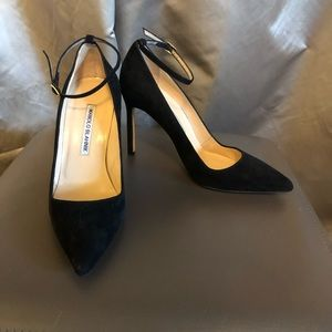 Manolo Blahnik Black Suede Stiletto Pump Size 35.5